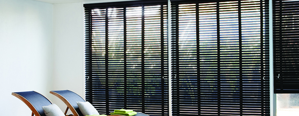 club_soda_venetian_blinds2