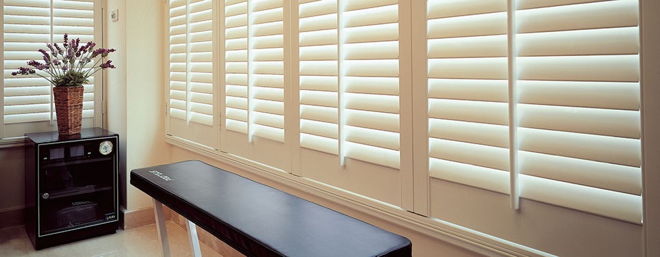 club_soda_faux_wood_shutters6